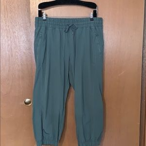 Athlesiure silky cargo style cropped pants